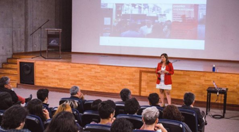 Charla Industrias Creativas + Territorio con Analía Cervini